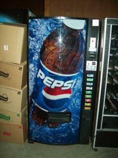 dixie narco 501 in Cold Beverage & Soda Machines
