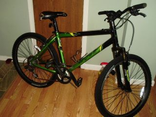 GARY FISHER MOUNTAIN BIKE TARPON FRONT SUSPENSION 21 SPEED 26 INCH