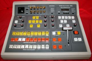 GRASS VALLEY GROUP 100N VIDEO MIXER/SWITCHER CONTROL PANEL S/N 0184