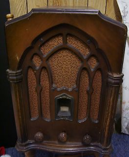 RADIO RCA Victor Wooden 1932 Tablemodel R71 Tombstone