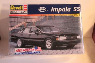 Model Car Impala Chevrolet SS 1/25 scale Revell Monogram Model Kit