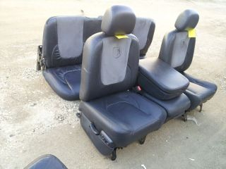 02 05 DODGE RAM BLACK LEATHER /SUADE SEATS DUAL POWERED SEAT FRONT 40