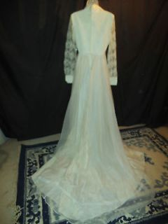 Vintage Antique White Lace Long Sleeve Train Wedding Gown Dress
