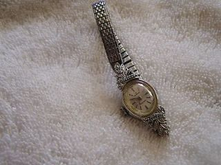 Vintage Womens Ladies Waltham 17 Jewel Incabloc