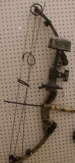 Newly listed Hoyt Reflex compound bow (RH) Split Limb/DRESSED!