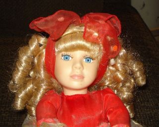 DAN DEE COLLECTORS CHOICE CANDY Wind Up Musical Doll   UNKNOWN