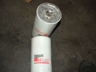 Lot of 2 Fleetguard FF5207 Fuel Filter Various Detroit Diesel Engines