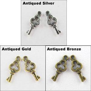 gold charms in Jewelry & Watches