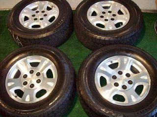 Chevy GMC Wheels Yukon 1500 Sierra Tires (Specification 265/70R17