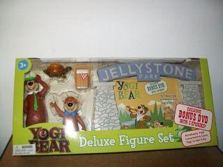 YOGI BEAR BOO BOO JELLYSTONE PARK FIGURE SET & DVD NEW