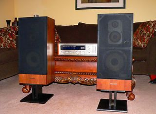 SOUND REALISTIC STA 82 RECEIVER & OPTIMUS 600 3 WAY SPEAKERS I