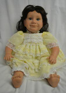 21 Pat Secrist 2002 Smidgen Baby Girl Doll Black Hair Blue Eyes