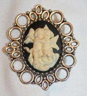 Picot Rim Cream & White Cherubs Angels Cameo Brooch Pin
