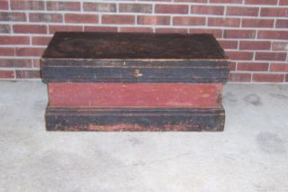 ANTIQUE WOODEN PAINTED WOOD TOOL BOX CHEST PRIMITIVE RED AND BLACK