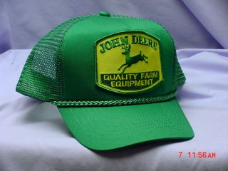 JOHN DEERE GREEN ADULT CAP, WITH OLD LOGO PATCH, MESH BACK, NEW