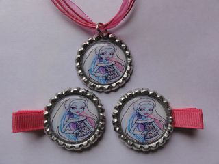 Monster High Abbey Bominable Bottle cap necklace Hair clips #1
