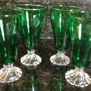 Set Of 4 Emerald Green Depression Glass Parfait Glasses. Beautiful