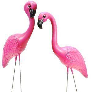 pink flamingo lawn ornaments in Statues & Yard Art