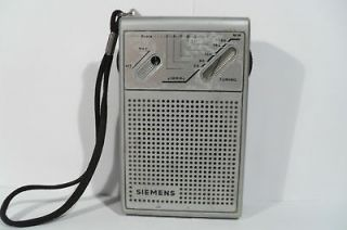 VINTAGE POCKET TRANSISTOR RADIO SIEMENSRT 711