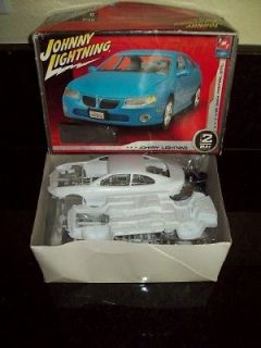 PONTIAC GRAND PRIX #42 KYLE PETTY MELLOW YELLOW MODEL CAR KIT