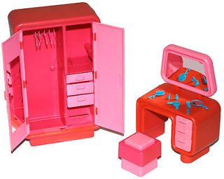 Bedroom on Vintage Barbie Doll Dream House Pink Bedroom Wardrobe   Vanity