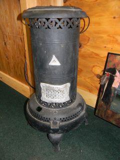 Perfection Smokeless Oil Heater No.330**EUC**Antique Oil Heater