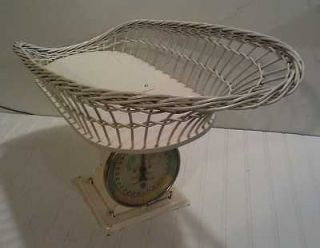 Paragon Scales   Vintage Wicker Basket Baby Scale   30 lbs