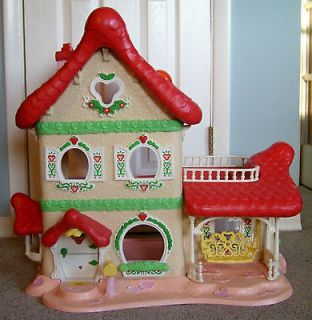 1980s KENNER STRAWBERRY SHORTCAKE BERRY HAPPY HOME DOLL HOUSE ~NICE