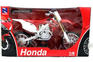 NEW RAY 2012 HONDA CRF450R DIRT BIKE RED / WHITE 1/6 DIECAST 49383