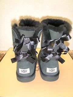 UGG BAILEY BOW BLACK WOMEN BOOT US 6 / EU 37 / UK 4.5