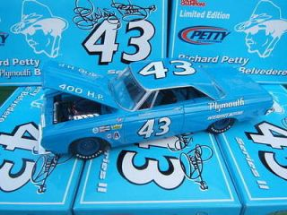 RC 1/24 Richard Petty #43 *1964 Plymouth Belvedere* NIB