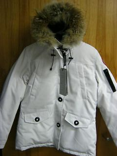 canada goose parka in Womens Clothing