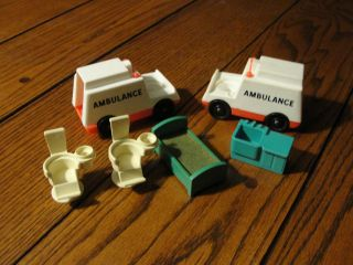 Price Little People Hospital Lot   Ambulance (2) Bed Chairs Sink