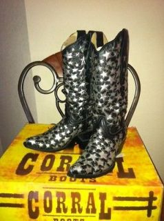 Ladies ~ Womens Size 7 Corral Boots A2040 Black with Silver Stars
