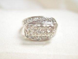 VINTAGE 14K WHITE GOLD DIAMOND THREE STONE ENGAGEMENT RING