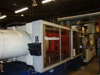 WOW KRAUSS MAFFEI KM420 462 TON INJECTION MOLDING MACHINE