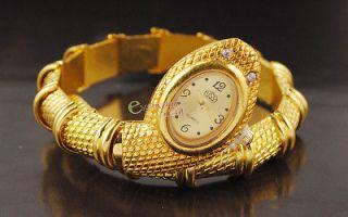 Special Golden Cobra Snake Style Bracelet Quartz Lady Watch Dress