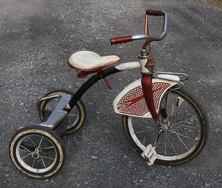 VINTAGE 1950s CHILDS RED & WHITE AMF JUNOIR TRICYCLE   complete