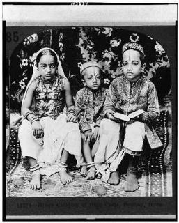 children,high caste,clothing,dress,upper class,hats,Bombay,India,c1922