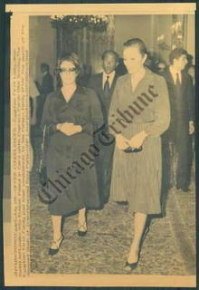 CT PHOTO aiw 803 Empress Farah Diba Of Iran