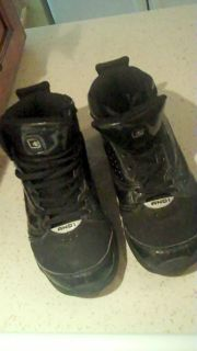 youth basketball shoes in Clothing, Shoes & Accessories