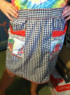 Vint 1950s 2 Pocket Apron w/window/Door Design Red/White/Black