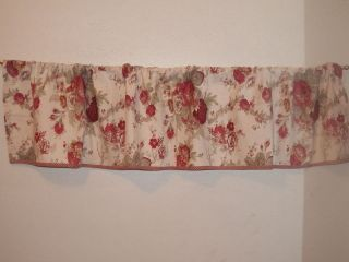WAVERLY NORFOLK ROSE FAIRFIELD W/CRIMSON CHECK VALANCE 68 x 15