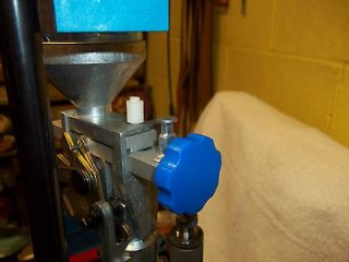 blue rosette knob to adjust dillon 550 powder measure time