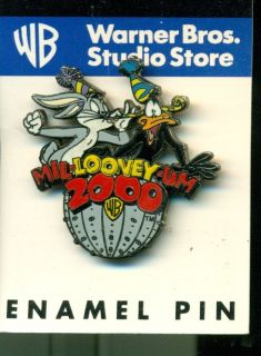 Daffy Duck Bugs Bunny celebrate 2000 Millooneyum enameled hat pin new