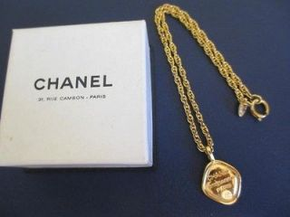 newly listed authentic chanel vintage cc 31 rue cambon necklace