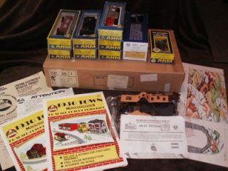Vintage AHM rivarossi HO Train Set FM and 6 cars w/ figure 8 track