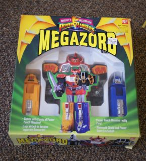2220 Mighty Morphin Power Rangers Megazord Toy Figure NEW IN BOX
