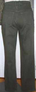 Dont miss these Gloria Vanderbilt Amanda stretch jeans in a versatile
