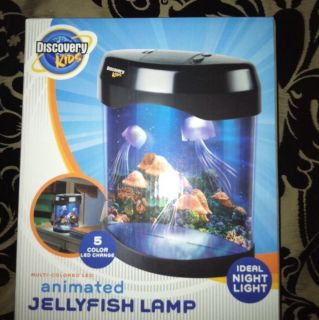 Discovery Kids Animated Jelly Fish Tank & Night Light Battery Operated
